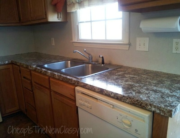 Kitchen before adding Smart Tiles peel and stick backsplash tiles #sponsored