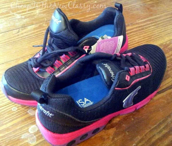 Get customized, adjustable comfort in your footwear for women of all shapes and sizes with Therafit #sponsored