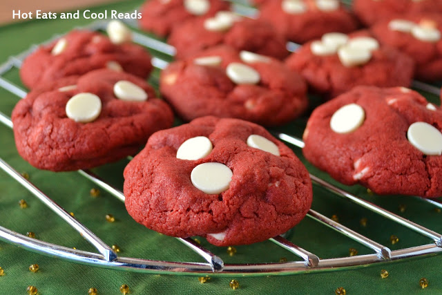 Red Velvet White Chocolate Chip Cookies: 10 Christmas Cookies Recipes For The Holidays | Cheap Is The New Classy