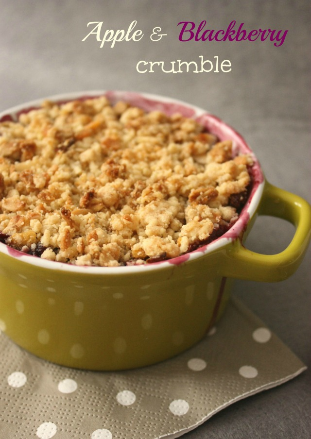 Apple and Blackberry Crumble: 10 Favorite Fall Recipes With Apples | Cheap Is The New Classy