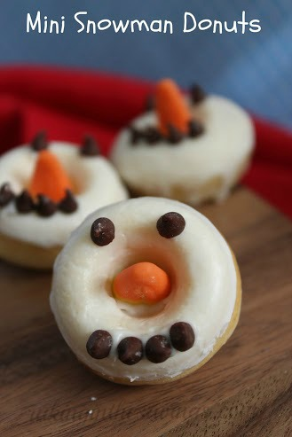 Mini Snowman Donuts: 10 Fun Ways To Build A Snowman | Cheap Is The New Classy