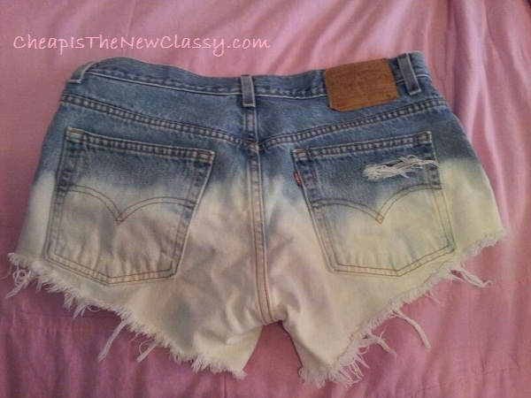 DIY Ombre Shorts: Upcycled Clothing Ideas: 10 Ways to Give Old Clothes New Life | Cheap Is The New Classy
