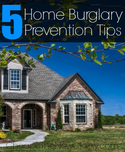 5 Home Burglary Prevention Tips To Help Keep Your Home Safe While You Travel #sponsored