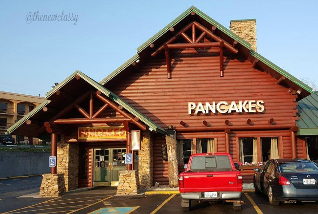 Start Your Day Right With Breakfast At Flapjack's Pancake Cabin #ad #Sevierville