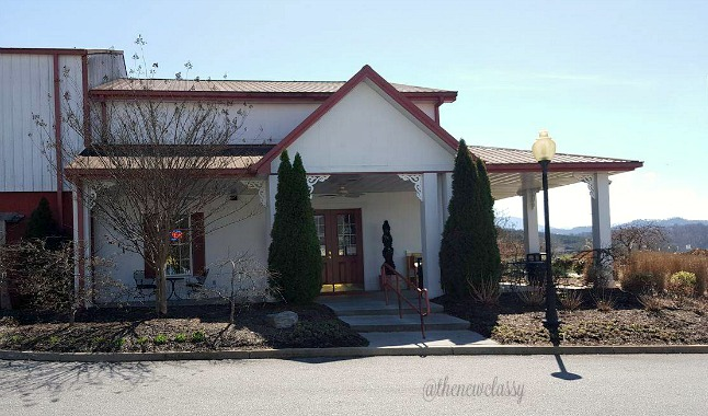 Wine Tasting At Hillside Winery #travel #ad #Sevierville