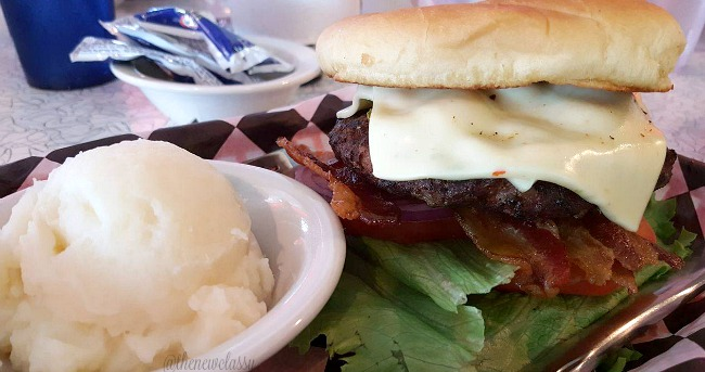 The Diner: A Blast From The Past #travel #ad #Sevierville