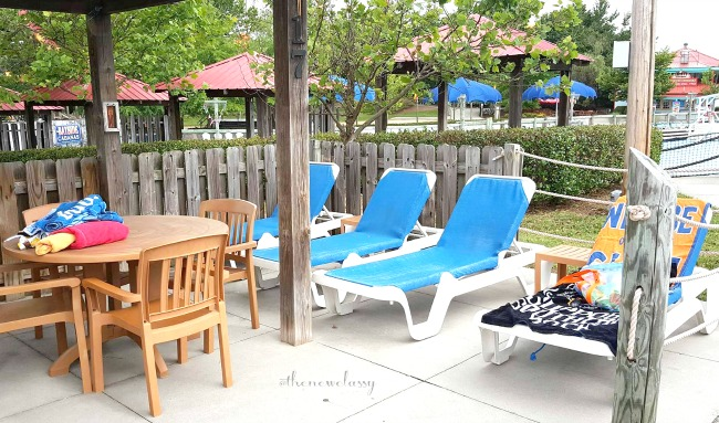 Relax This Summer In A Fully Serviced Poolside Cabana #travel #ad #WetnWildEP