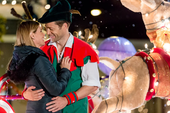 "Hallmark Channel's ""Every Christmas Has A Story"" Premieres 11/12 At 8 EST #ad #CountdownToChristmas"
