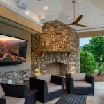 6 Things You Need To Host A Family Movie Night Outside